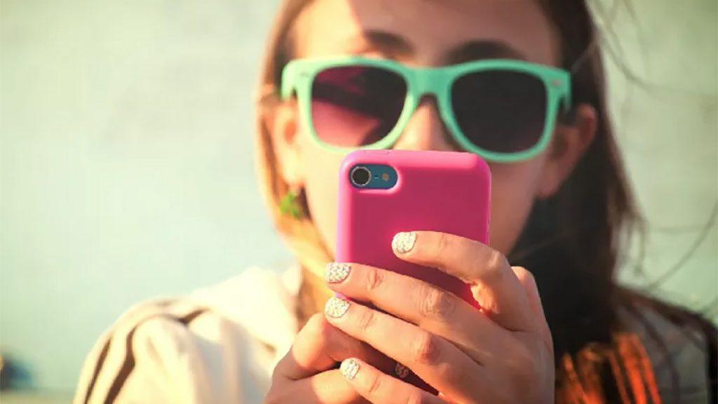 online messaging vs talking in person